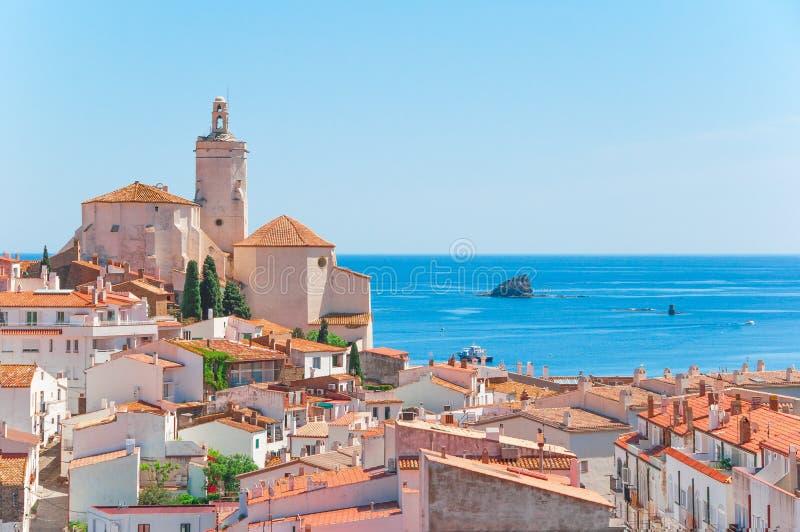 spain catalonia Cadaques på Costa Brava De berömda tourisna royaltyfria bilder