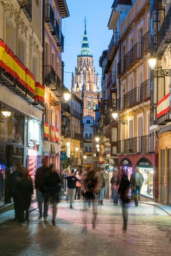 spain toledo Skymningsikt av den forntida staden Toledo i Castilla la Mancha med Santa Iglesia Catedral royaltyfri fotografi
