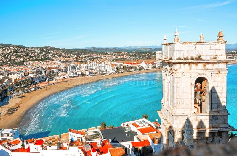 spain Valencia Peniscola Sikt av havet från en höjd av slotten för ` s för påve Luna royaltyfria bilder