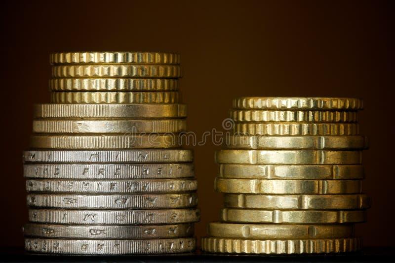 Spalten der Münzen lizenzfreie stockbilder