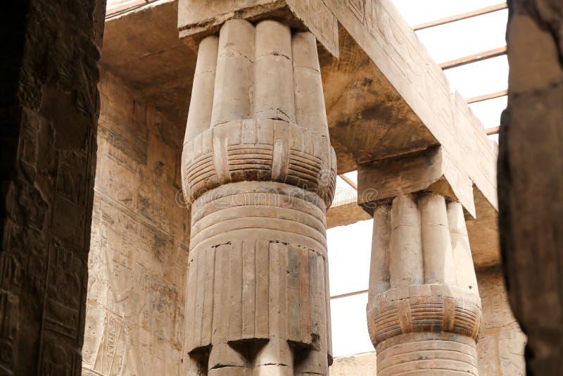Spalten im Luxor-Tempel, Luxor, Ägypten stockbild