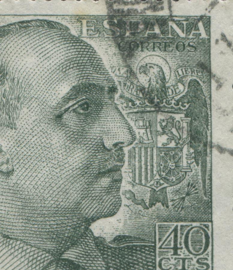 SPANIEN - CIRCA 1949: Stämpeln skrivev ut i Spanien som visar en stående av general Francisco Franco 1892-1975, serien Francisco royaltyfri fotografi