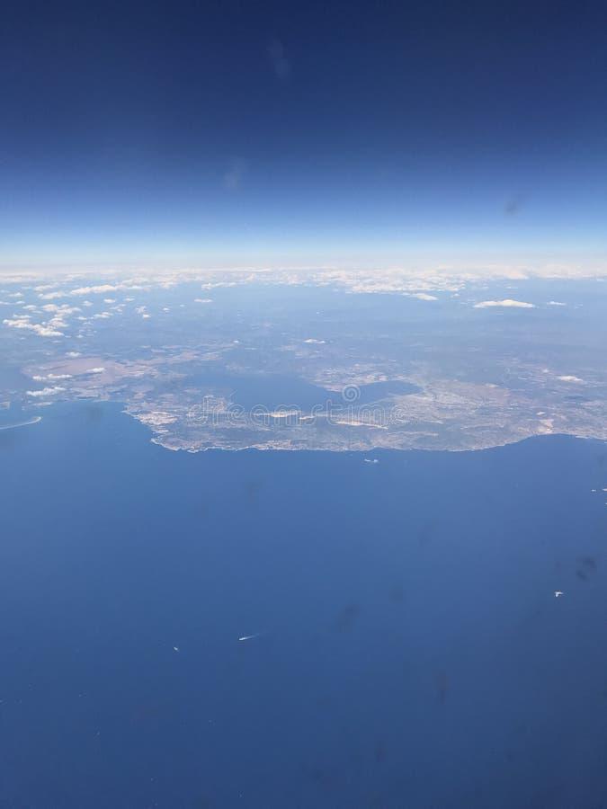 Spanien Europa Barcelona blå himmel, flyg royaltyfria foton