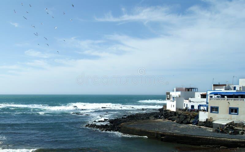 Spanien Fuerteventura, El Cotillo En hamnplats arkivfoton