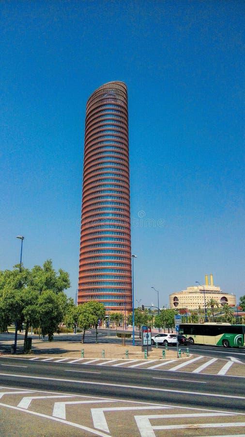 spanien Hoher Aufstieg des Sevilla-Turmbüros und -hotels, der Andalusien errichtet lizenzfreies stockfoto