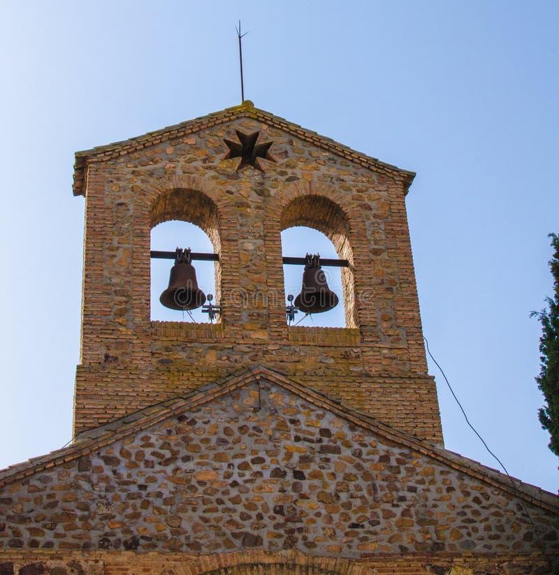 Spanien, kleine ländliche Kirche in der landwirtschaftlichen Nutzfläche nahe Aranjuez südlich von Madrid stockfotos