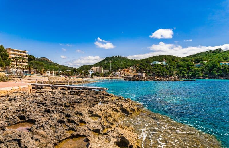 Spanien Mallorca ö, sjösidastrand av lägret de Fördärva royaltyfri fotografi