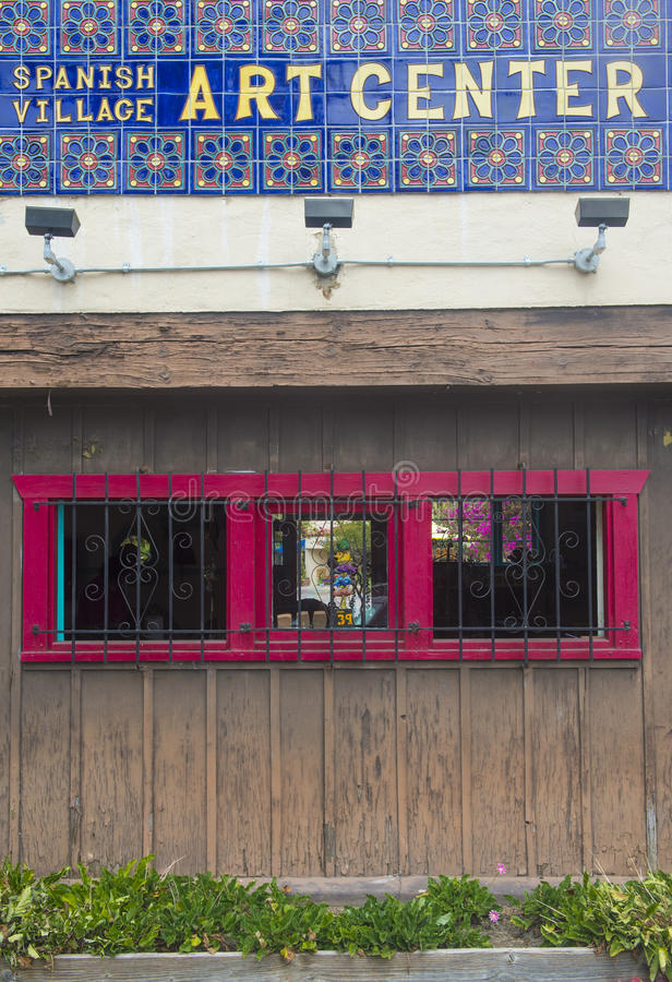 Spanische Dorfkunstmitte stockfoto