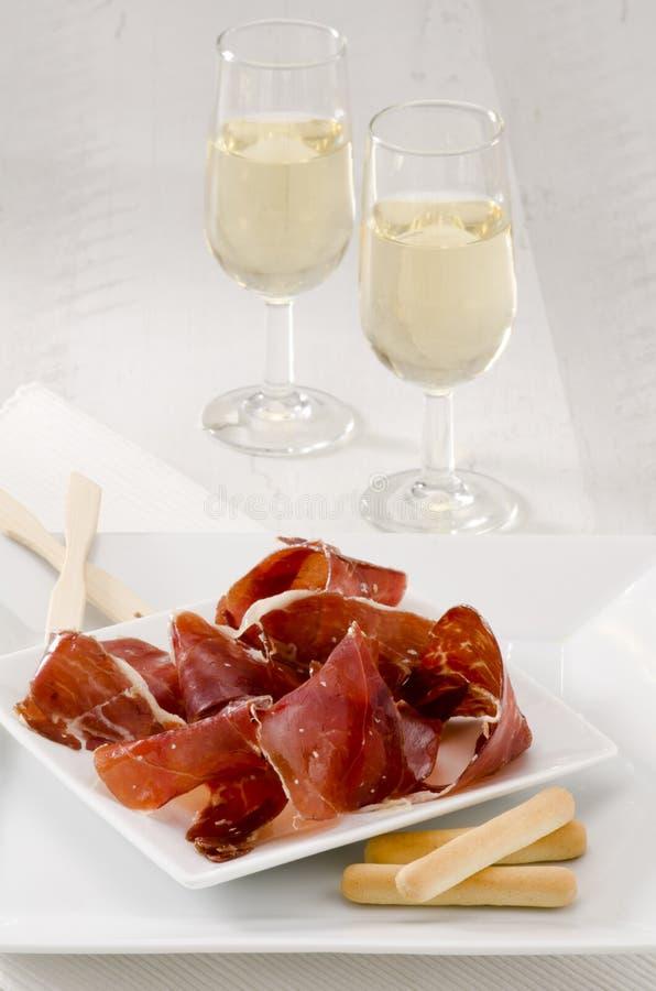 Spanische Küche. Serrano-Schinken. Jamon Serrano. Stockbild - Bild ...