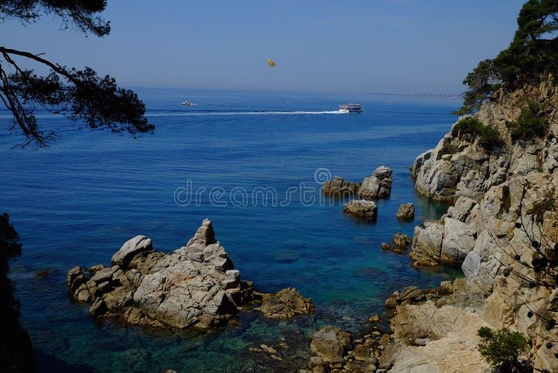 Spanische Küstenlinie in Katalonien stockbild