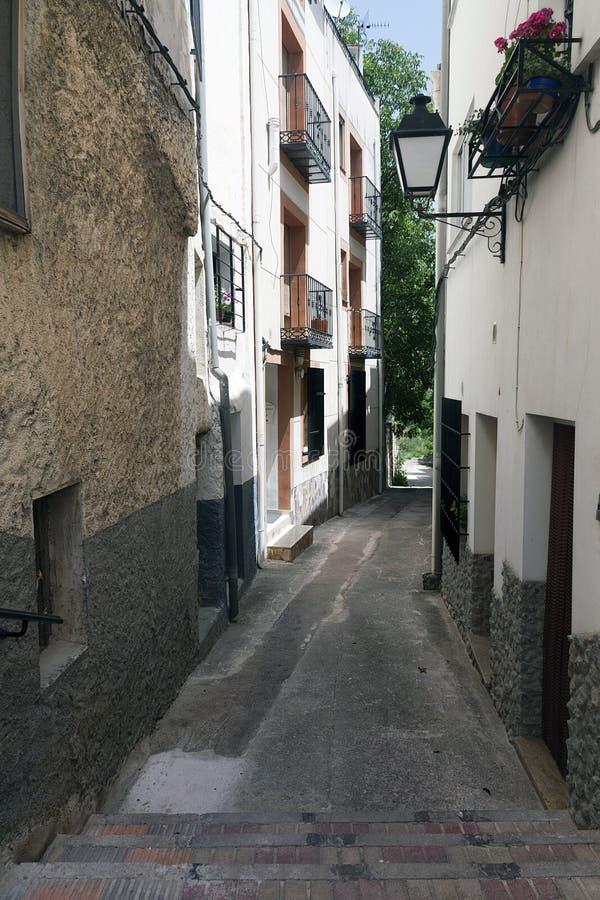Spanische traditionelle Gasse lizenzfreie stockbilder