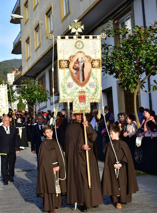 Spanische traditionelle Karwoche mit religi?sen fraternity Prozessionen Viveiro, Spanien, am 19. April 2019 lizenzfreie stockbilder
