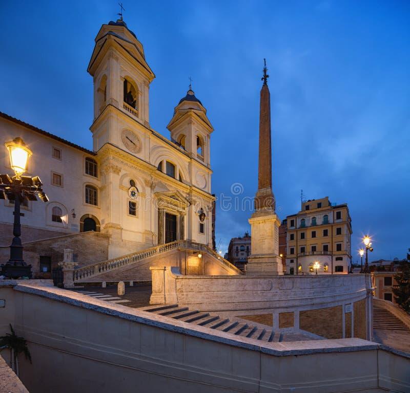 Spanische Treppe und Fontana della Barcaccia in Rom, Italien stockfotos