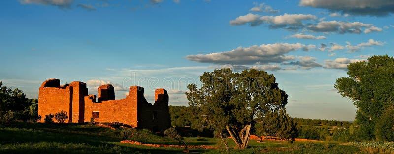 Spanischer Pueblo-Auftrag lizenzfreies stockfoto