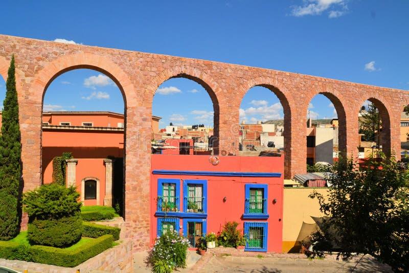 Spanisches Kolonial-aquaeduct in Zacatecas, zentral lizenzfreie stockfotos