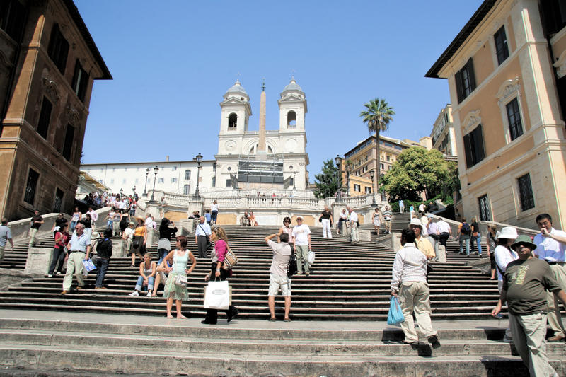 Download Spanish Steps Rome Italy editorial stock photo. Image of crowd - 33820048