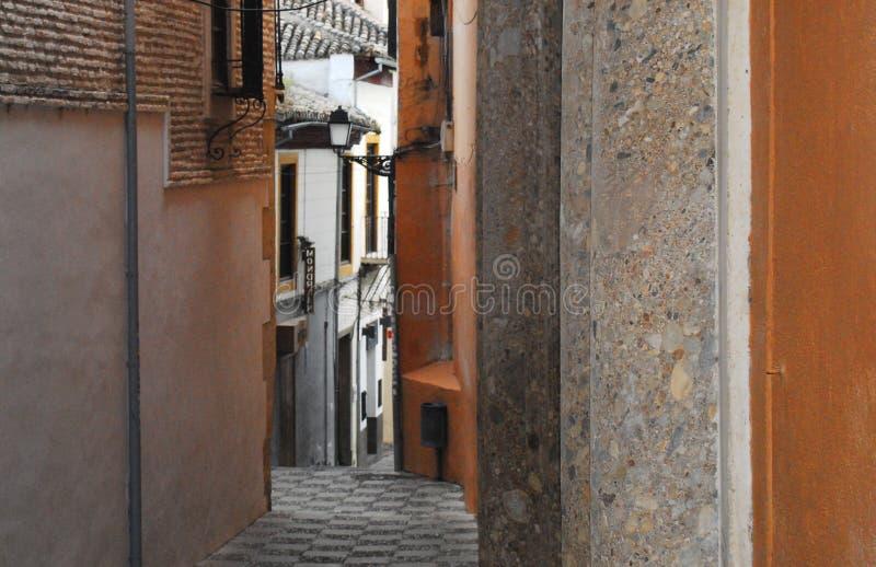 Spanje Granada een Smalle Gang door Oude Stad royalty-vrije stock afbeeldingen