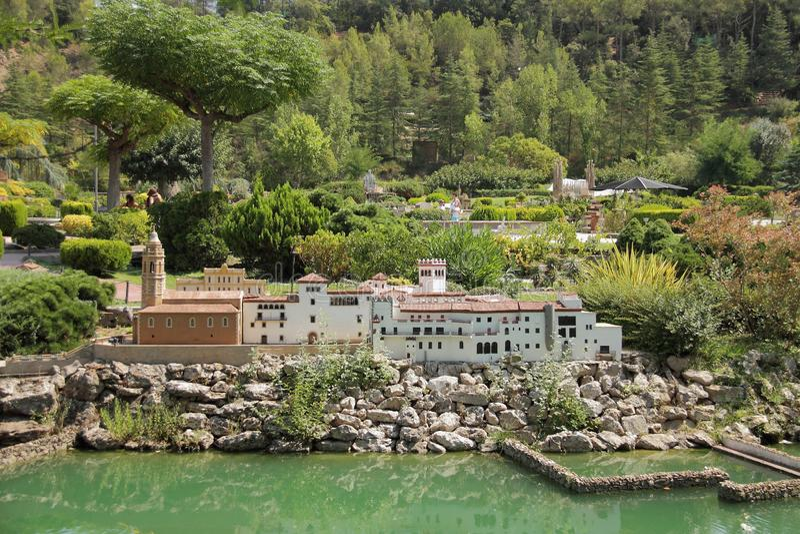 Spanje, het Engelse Miniatura park van Catalunya, augustus 2018 stock afbeelding