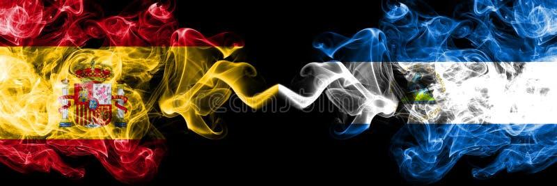 Spanje versus Nicaragua, Nicaraguan rokerige zij aan zij geplaatste mysticusvlaggen Dik gekleurde zijdeachtige rookvlag van Spaan royalty-vrije stock fotografie