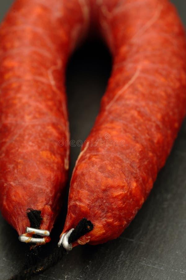 Spansk chorizo kurerad kryddig korv royaltyfri foto
