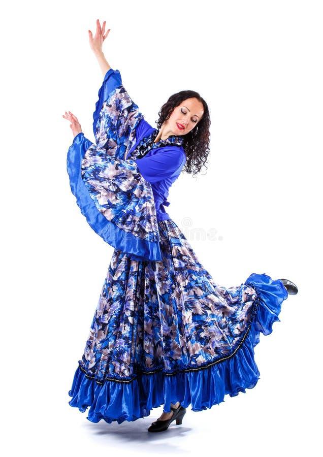 Spansk dans för ung sexig flickadans bakgrund isolerad white arkivfoto
