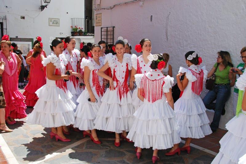 Spanska flamencodansare i gatan royaltyfria foton