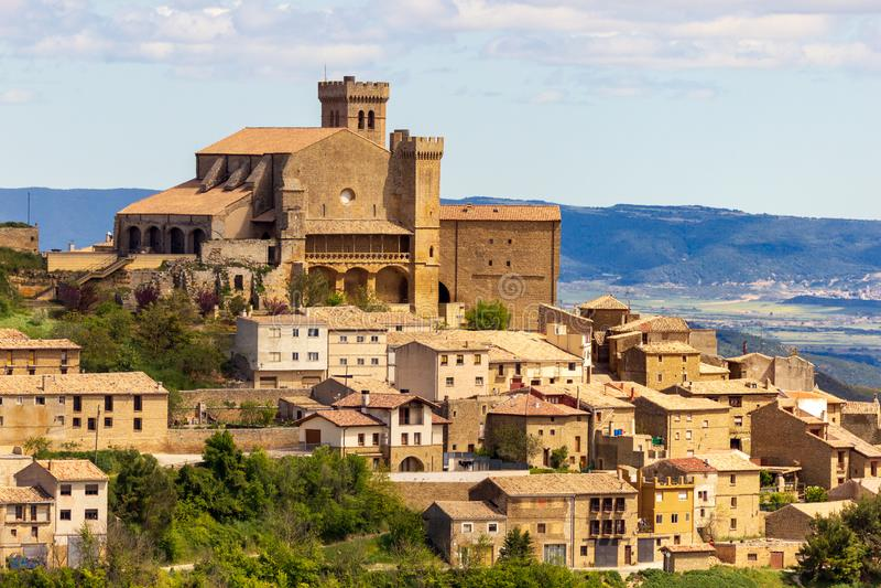 Spanskt landskap navarre Spanien Ujue royaltyfria foton