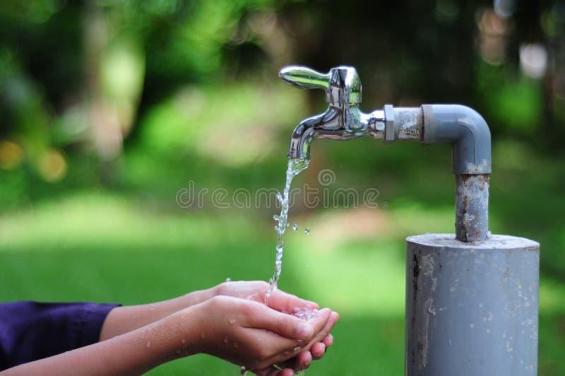 Spara en droppe av vatten royaltyfria foton