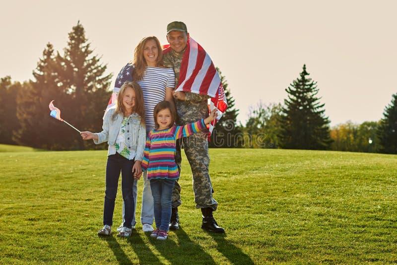 Sparato della famiglia patriottica fotografie stock
