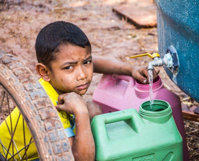 Sparen Sie Wasser im Sommer stockbilder