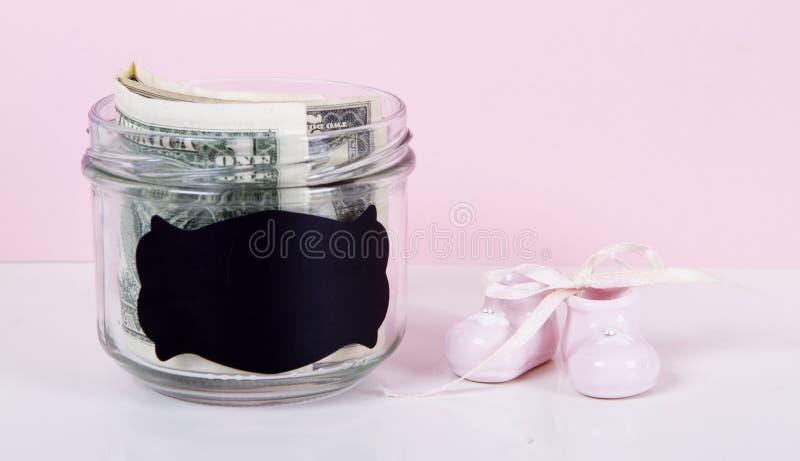 Sparen voor geboren kinderen stock afbeelding