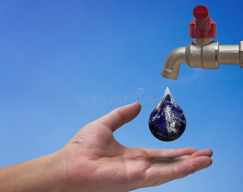 Sparen Waterconcept, de Dag van het Wereldwater royalty-vrije stock fotografie