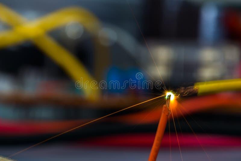 Sparkle för urladdning av kondensatorn arkivbilder
