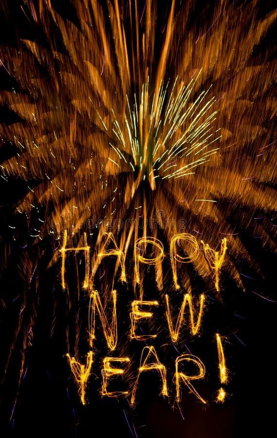 Sparklers e fuochi d'artificio di nuovo anno fotografie stock libere da diritti