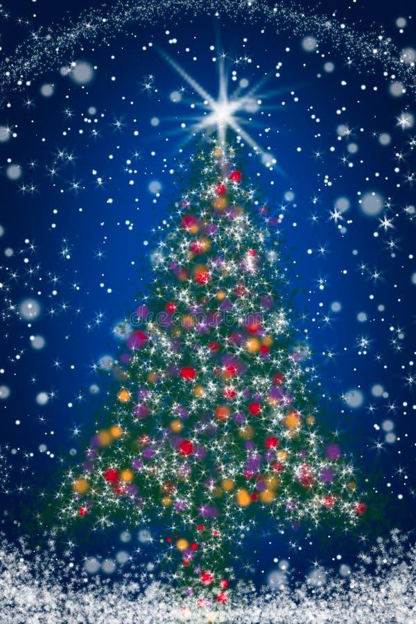 Sparkly julgran på den blåa skyen för Starry natt royaltyfri fotografi