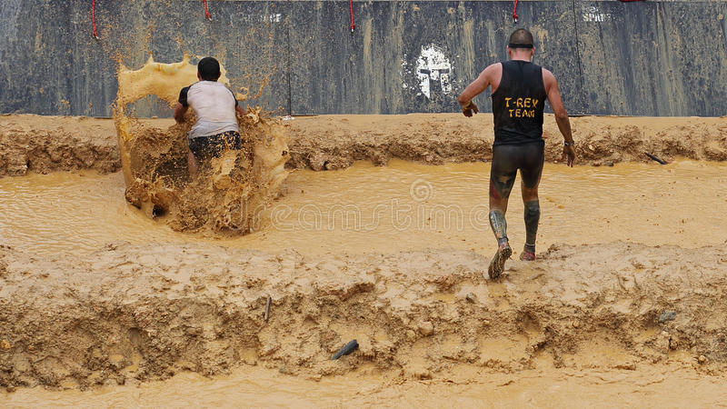 Spartaans hindernis lopend ras stock afbeelding