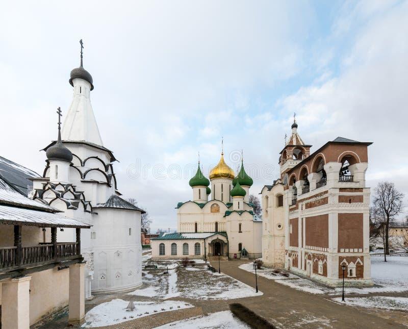 Spaso-Evfimiev mensen` s klooster Oud mensen` s klooster in de winter royalty-vrije stock fotografie