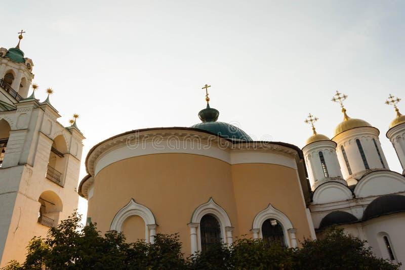 Spaso-Preobrazhensky kloster i Yaroslavl, den guld- cirkeln av Ryssland fotografering för bildbyråer