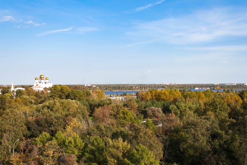 Spaso-Preobrazhensky kloster i Yaroslavl, Ryssland abstrakta dekorativa arkitektoniska klockstapeldetaljer arkivbilder