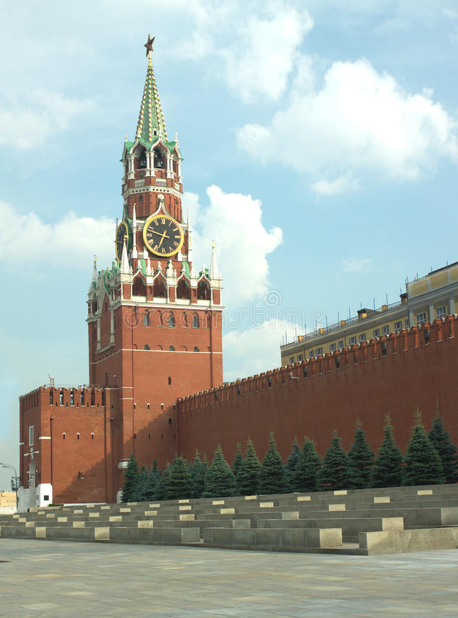 Spasskaya Turm- und Kreml-Wand in Moskau lizenzfreie stockbilder