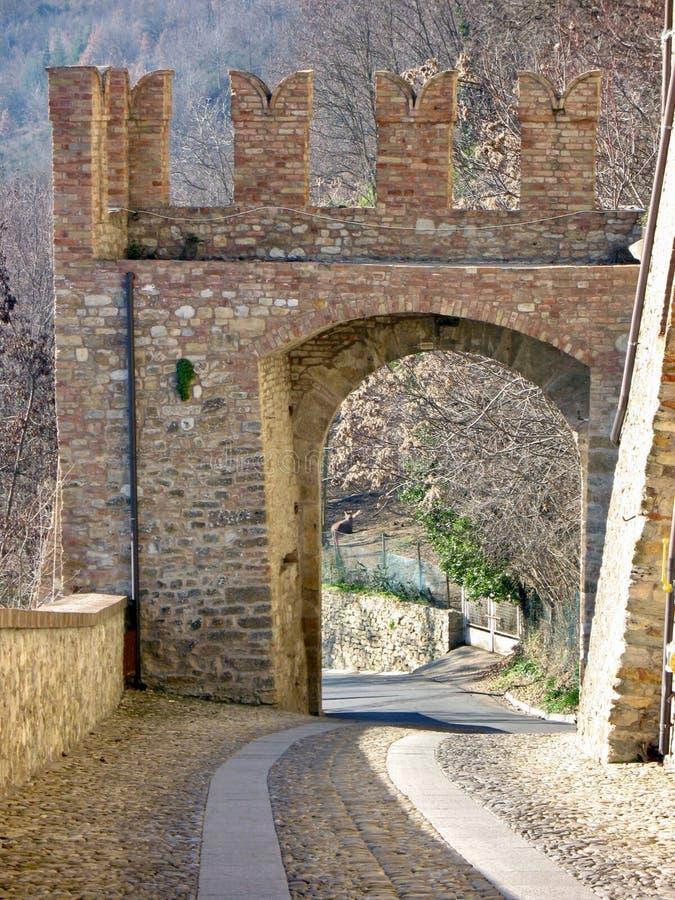 Spazieren Sie durch die mittelalterlichen Gassen von Castell`Arquato Ladyhawke. lizenzfreie stockbilder