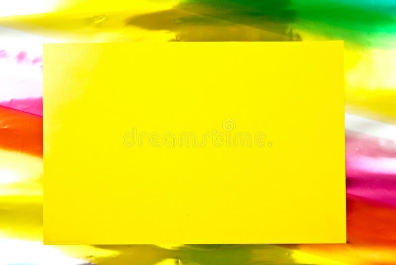 Spazio in bianco giallo di carta fotografie stock