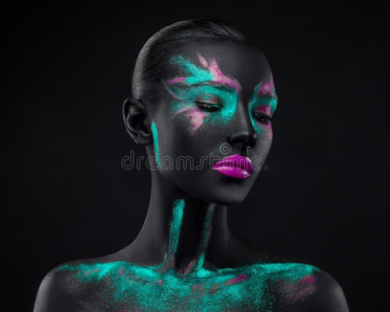 Spazio di colori blu dell'occhio nero di rosa di trucco della ragazza immagini stock