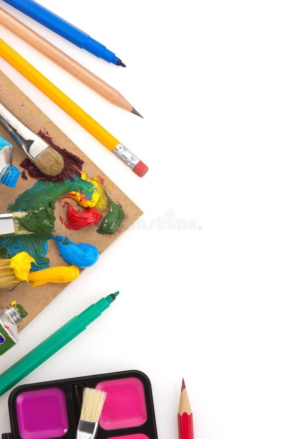 Download Spazzola E Pittura Su Bianco Immagine Stock - Immagine di liquido, back: 30826345