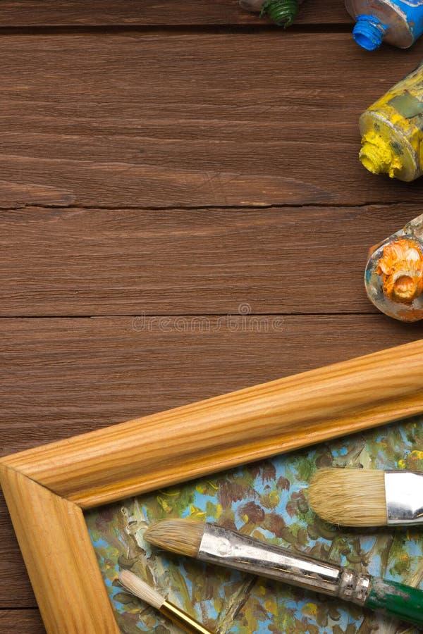 Download Spazzola E Pittura Sul Legno Immagine Stock - Immagine di back, vernice: 30826365