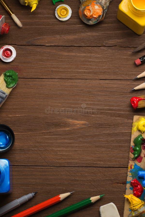 Download Spazzola E Pittura Sul Legno Fotografia Stock - Immagine di liquido, amore: 30826372