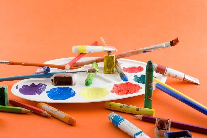 Download Spazzole, Vernici, Gamma Di Colori Immagine Stock - Immagine di colori, immaginazione: 7311127