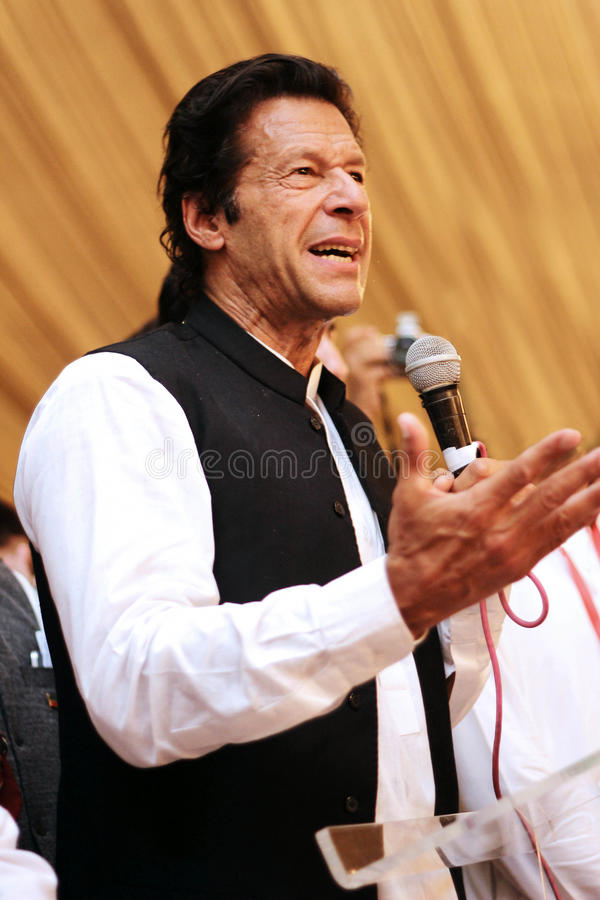 Speaknig d'Imran Khan de Président de Tehreek-e-insaf sur la MIC photos stock