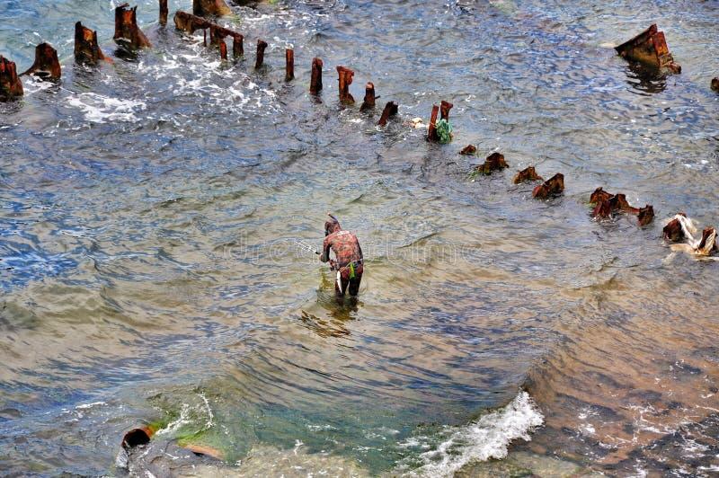 Spearfishing en el mar foto de archivo libre de regalías