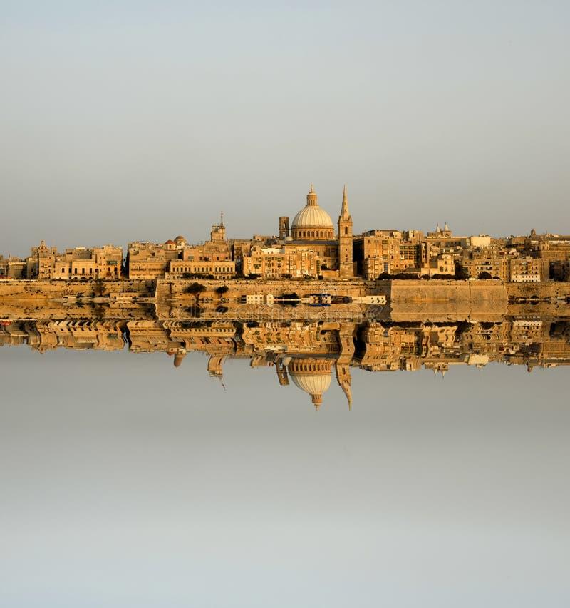 Download Specchio immagine stock. Immagine di cupola, pesca, molla - 3131551